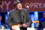 Vince Gill Celebrates 25th Anniversary as Opry Member with Star-Studded Show